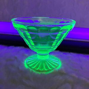 Vintage Vaseline Uranium Sorbet Ribbon Hazel Atlas